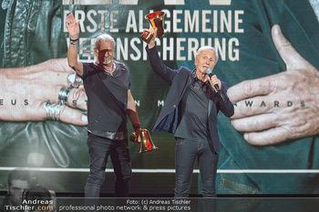 Amadeus Austria Music Awards 2019 - Volkstheater Wien - Do 25.04.2019 - EAV Klaus Eberhartinger, Thomas Spitzer mit Award fürs Lebenswe304