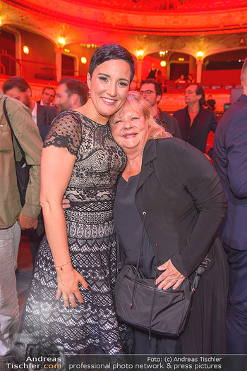 Amadeus Austria Music Awards 2019 - Volkstheater Wien - Do 25.04.2019 - Ina REGEN, Marianne MENDT311