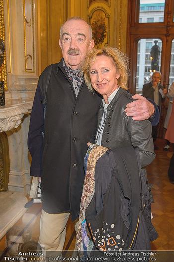 Filmpremiere ´Backstage Wiener Staatsoper´ - Wiener Staatsoper - So 28.04.2019 - Georg SPRINGER mit Ehefrau12