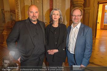 Filmpremiere ´Backstage Wiener Staatsoper´ - Wiener Staatsoper - So 28.04.2019 - Stephanus DOMANIG mit Ehefrau Katharina SEDIVY, Peter JANETSCHEK18