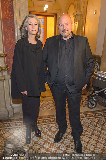 Filmpremiere ´Backstage Wiener Staatsoper´ - Wiener Staatsoper - So 28.04.2019 - Stephanus DOMANIG mit Ehefrau Katharina SEDIVY19