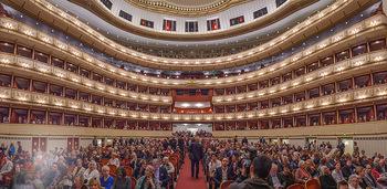 Filmpremiere ´Backstage Wiener Staatsoper´ - Wiener Staatsoper - So 28.04.2019 - Panorama Publikumsraum Zuschauerraum Logen Ränge Wiener Staatso34
