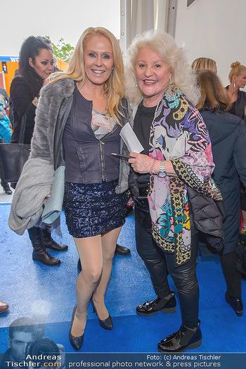 Cirque Du Vegas - Zirkuszelt, Wien - Di 30.04.2019 - Uli Urlike KRIEGLER, Marika LICHTER17