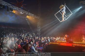 Cirque Du Vegas - Zirkuszelt, Wien - Di 30.04.2019 - Philippa SPEIGHT vor Publikum105