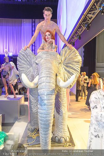 Duftstars Awards - MQ Halle E, Wien - Do 02.05.2019 - Elefant mit Künstlern250