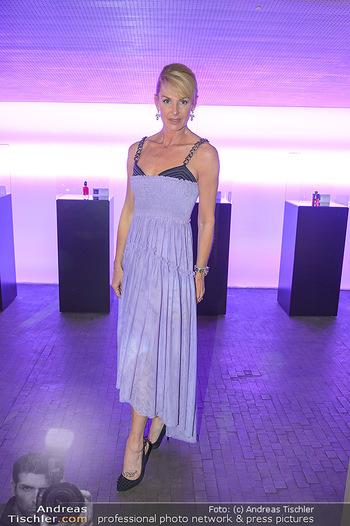 Duftstars Awards - MQ Halle E, Wien - Do 02.05.2019 - Onka TAKACS327