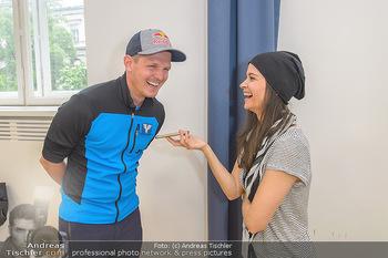 Wings4life world run - Universität Wien - So 05.05.2019 - Thomas MORGENSTERN wird interviewt von Romina COLERUS16