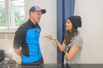 Wings4life world run - Universität Wien - So 05.05.2019 - Thomas MORGENSTERN wird interviewt von Romina COLERUS17