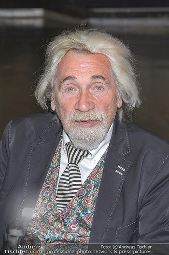 Hair Pressetermin Peter Rapp - Camera Club - Di 07.05.2019 - Peter RAPP (Portrait mit Perücke)7