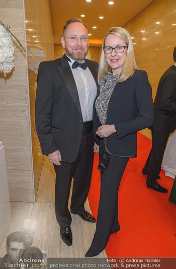 Fundraising Dinner - Albertina, Wien - Di 07.05.2019 - Margarete SCHRAMBÖCK mit Ehemann23