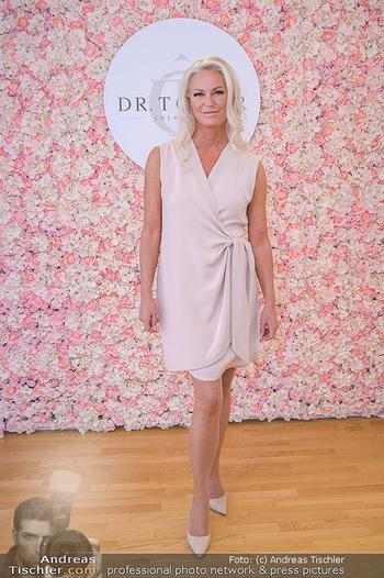 Dr. Tonar Cosmetics Launchevent - Praxis Dr. Tonar Cosmetics Wien - Do 09.05.2019 - Ursula ZIERHOFER-TONAR29
