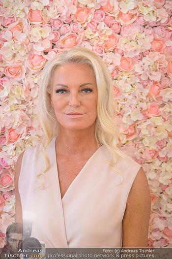 Dr. Tonar Cosmetics Launchevent - Praxis Dr. Tonar Cosmetics Wien - Do 09.05.2019 - Ursula ZIERHOFER-TONAR (Portrait)36
