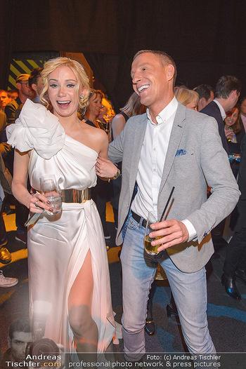 Dancing Stars Finale - ORF Zentrum - Sa 11.05.2019 - Carina SARKISSOVA, Stefan PETZNER (Aussprache auf der aftershow-52