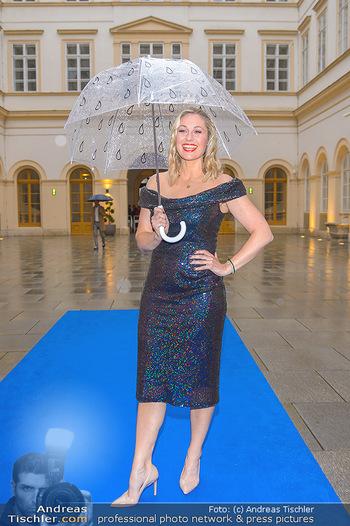 Gesund & Fit Award - Palais Niederösterreich - Mi 22.05.2019 - Ruth MOSCHNER mit Regenschirm37