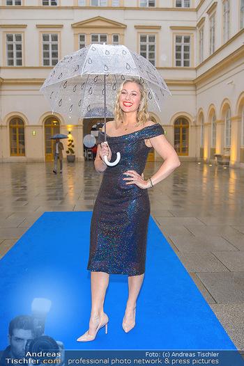 Gesund & Fit Award - Palais Niederösterreich - Mi 22.05.2019 - Ruth MOSCHNER mit Regenschirm38