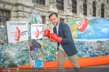 Schwarzenegger für SodaStream - Hofburg Wien - So 26.05.2019 - Ferdinand BARCKHAHN8