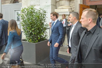 Schwarzenegger für SodaStream - Hofburg Wien - So 26.05.2019 - Sebastian KURZ verlässt unmittelbar nach dem Misstrauensvotum d24