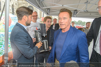 Schwarzenegger für SodaStream - Hofburg Wien - So 26.05.2019 - Arnold SCHWARZENEGGER, Ferdinand BARCKHAHN54
