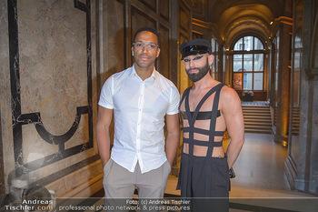 EuroPride Auftaktgala - Kunsthistorisches Museum KHM, Wien - So 02.06.2019 - Conchita WURST (Tom NEUWIRTH), Cesar SAMPSON14