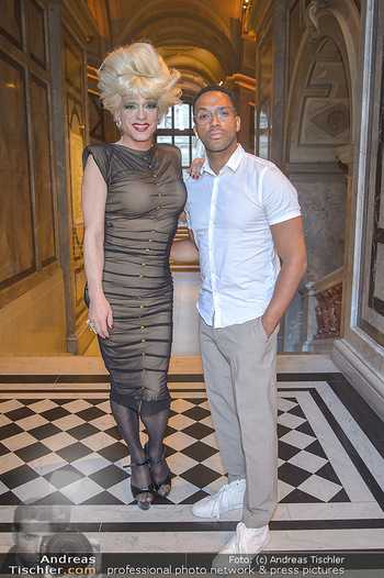 EuroPride Auftaktgala - Kunsthistorisches Museum KHM, Wien - So 02.06.2019 - Cesar SAMPSON, Miss CANDY19