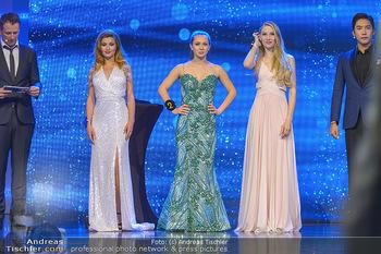Miss Austria 2019 - Museum Angerlehner, Wels - Do 06.06.2019 - die drei Erstplatzierten vor Bekanntegabe der Siegerin Larissa R369