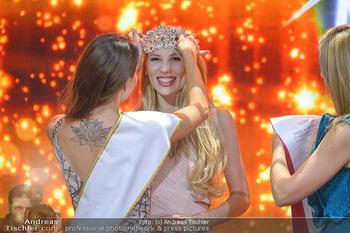 Miss Austria 2019 - Museum Angerlehner, Wels - Do 06.06.2019 - Larissa ROBITSCHKO erhält das Krönchen von Izabella ION378