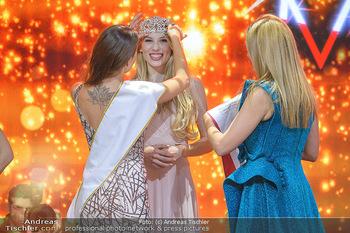 Miss Austria 2019 - Museum Angerlehner, Wels - Do 06.06.2019 - Larissa ROBITSCHKO erhält das Krönchen von Izabella ION379