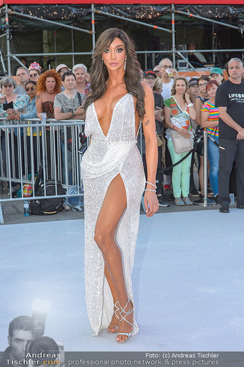 Lifeball red carpet - Rathaus Wien - Sa 08.06.2019 - Yasemine PETTY18