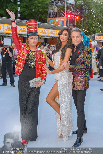 Lifeball red carpet - Rathaus Wien - Sa 08.06.2019 - Yasemine PETTY, Alfons HAIDER, Julian FM STÖCKEL24