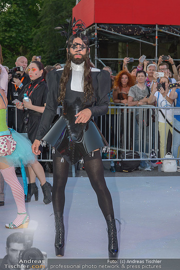 Lifeball red carpet - Rathaus Wien - Sa 08.06.2019 - Conchita WURST44