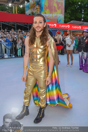 Lifeball red carpet - Rathaus Wien - Sa 08.06.2019 - Riccardo SIMONETTI45