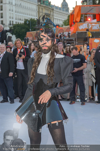 Lifeball red carpet - Rathaus Wien - Sa 08.06.2019 - Conchita WURST46