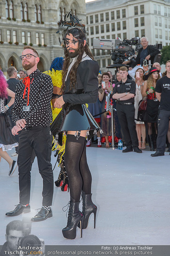 Lifeball red carpet - Rathaus Wien - Sa 08.06.2019 - Conchita WURST48