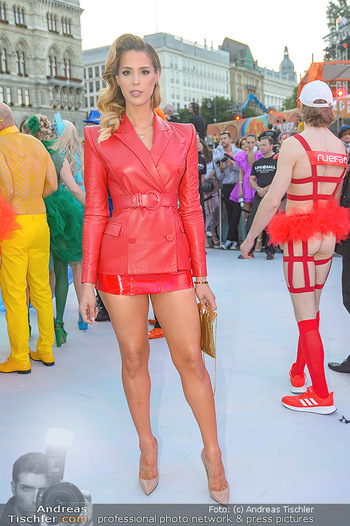 Lifeball red carpet - Rathaus Wien - Sa 08.06.2019 - Carmen CARRERA54