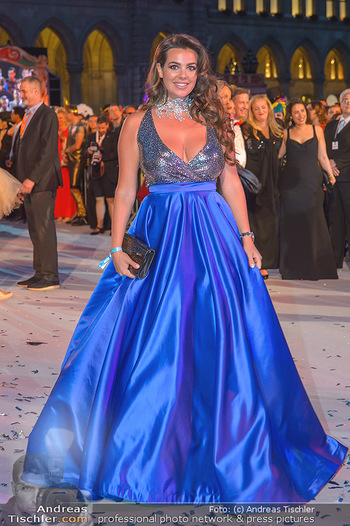 Lifeball red carpet - Rathaus Wien - Sa 08.06.2019 - Nadine MIRADA126