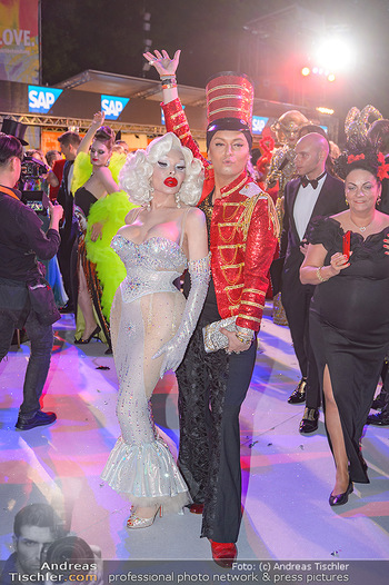 Lifeball red carpet - Rathaus Wien - Sa 08.06.2019 - Amanda LEPORE, Julian FM STOECKEL128