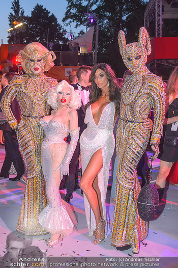 Lifeball red carpet - Rathaus Wien - Sa 08.06.2019 - Amanda LEPORE, Yasemine PETTY130