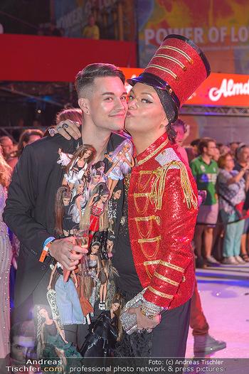 Lifeball red carpet - Rathaus Wien - Sa 08.06.2019 - Julian FM STOECKEL mit Freund Niko SCHICKETANZ132