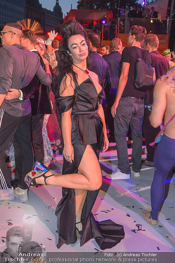 Lifeball red carpet - Rathaus Wien - Sa 08.06.2019 - Aura DIONE135