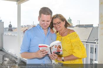 Interviewtermin Trischler Gilzer - Privatwohnung Trischler - Di 11.06.2019 - Maren GILZER, Clemens TRISCHLER16