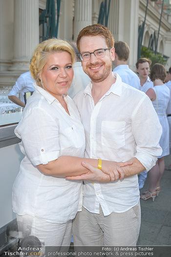 Kraml Sommerball - Kursalon Wien - Sa 15.06.2019 - Susanna HIRSCHLER mit Freund Felix64