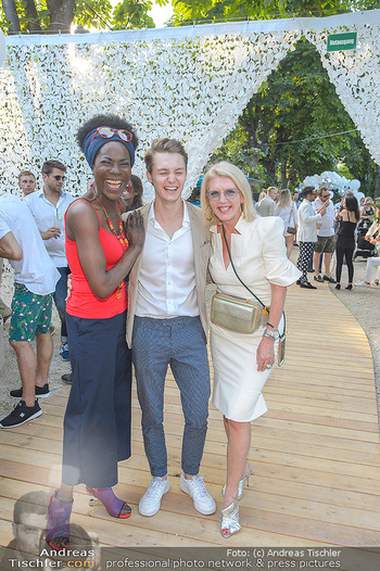 Cocktail Bar Opening - Volksgarten - Di 18.06.2019 - Doretta CARTER, Liane SEITZ mit Sohn Vincent59