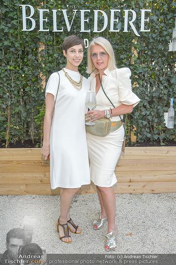 Cocktail Bar Opening - Volksgarten - Di 18.06.2019 - Maria YAKOVLEVA, Liane SEITZ117