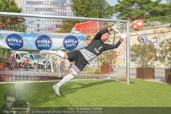 Nivea Deep Soccer Challenge - Hermann´s Strandbar, Wien - Mi 19.06.2019 - Helge PAYER Flugparade41