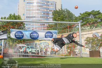 Nivea Deep Soccer Challenge - Hermann´s Strandbar, Wien - Mi 19.06.2019 - Helge PAYER Flugparade50