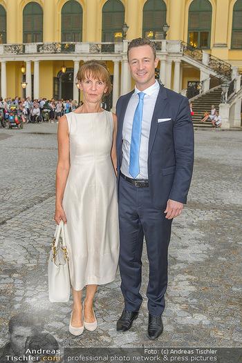 Sommernachtskonzert 2019 - Schloss Schönbrunn - Do 20.06.2019 - Gernot BLÜMEL mit Mutter Susanne9