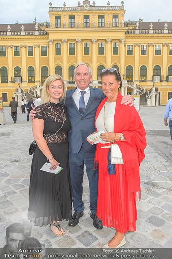 Sommernachtskonzert 2019 - Schloss Schönbrunn - Do 20.06.2019 - Familie Karl SCHRANZ mit Ehefrau Evelyn und Tochter Anna15