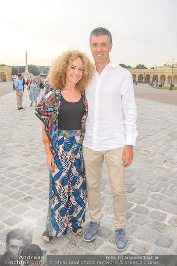 Sommernachtskonzert 2019 - Schloss Schönbrunn - Do 20.06.2019 - Sandra PIRES mit Freund Bernhard18