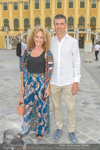 Sommernachtskonzert 2019 - Schloss Schönbrunn - Do 20.06.2019 - Sandra PIRES mit Freund Bernhard19