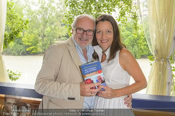 Michael Schottenberg Buchpräsentation - Summerstage, Wien - So 23.06.2019 - Michael SCHOTTENBERG mit Freundin Claire6